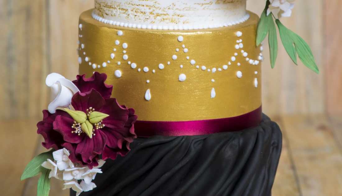 how-to-make-a-fondant-cake-for-a-wedding