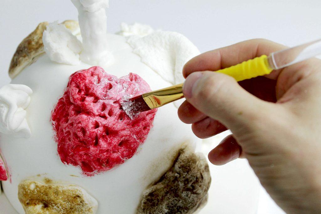 pintar-tarta-fondant-pintura-comestible