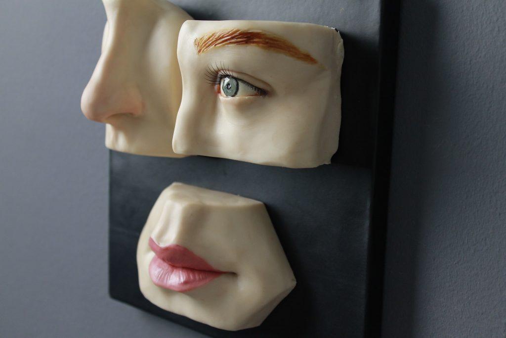 Cómo modelar en chocolate moldeable las partes de un rostro humano
